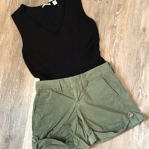 2/$20❤️Banana Republic Weekend Roll Up Shorts